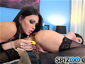Jessica Jaymes and Dava Foxx getting sloppy