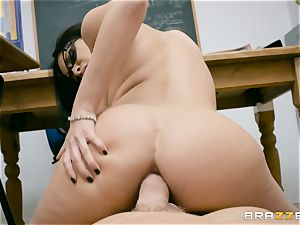 anal tucked milf instructor Anissa Kate in class