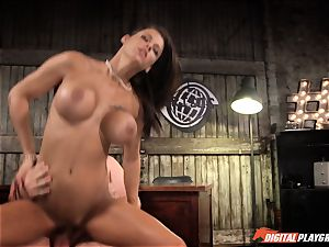 Peta Jensen loves a fine humping