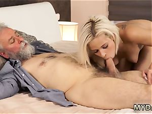 punish 3 way nubile babe Surprise your girlplaymate and she will boink with your daddy