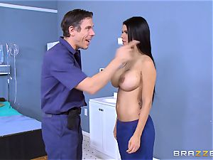 Mick Blue trains Peta Jensen the rules of surviving