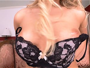 Mia Malkova unclothes off and thumbs her mouth-watering puss