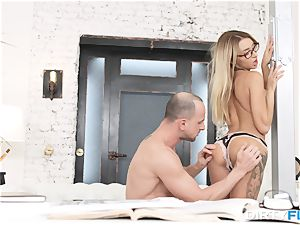 blonde ultra-cutie entices her boss and gets ravaged