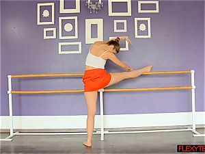 spectacular stretches by Yanna
