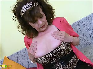 OldNannY wooly grannie vulva playing getting off
