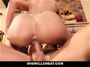 cuckold hubby witnesses Wifes poon Get destroyed