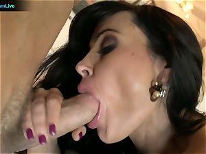 Pretty female Lisa Ann craving for a man's mayo