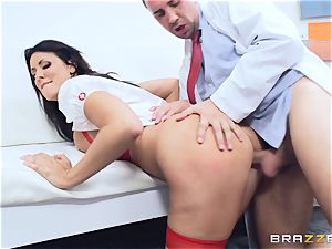 Keiran Lee shoots is explosion all over Reagan Foxx