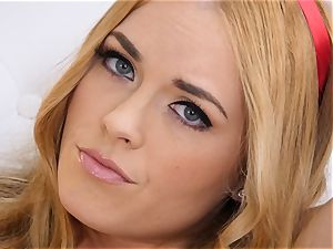 bare getting off with red-haired Bailey Rayne