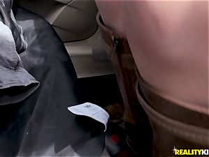 Car chisel deep-throating with Bonnie Grey