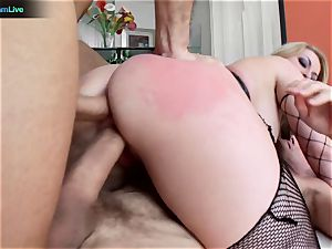 bootylicious blondie Aline addicted to double penetration