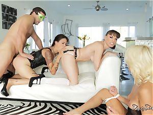 gonzo slit thrashing action with three kinky stunners