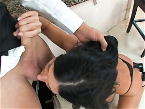 India Summers, dark-haired nude cockslut, takes fat wood on her lips in deep throat