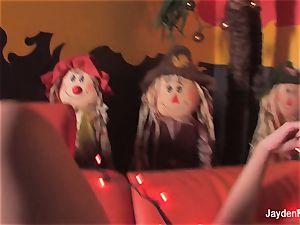 buxomy Jayden Jaymes does a spooky Halloween solo