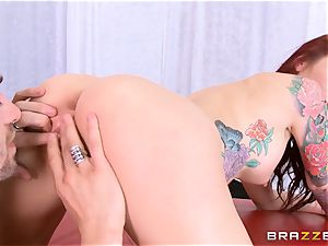 splendid milf Monique Alexander displays you how she loves to nail