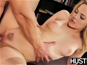 crazy Alexis Texas jerks all the cum from her playmate
