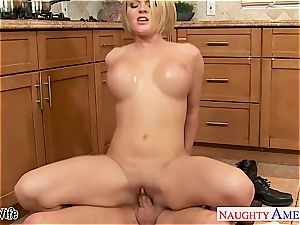 Krissy in the kitchen blow and boinks until his boner pours out