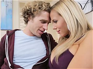 blond mother Olivia Austin plows her daughters bf