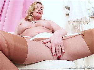 kinky ash-blonde milf thumbs appetizing cunny in nylons high-heeled slippers