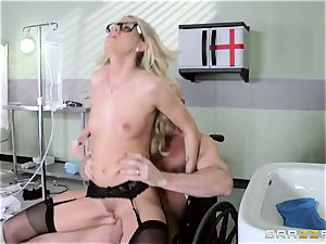 super-hot medic Jessa Rhodes checks out this big spunk-pump