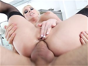 Christie Stevens gets her steaming pucker packed with lollipop