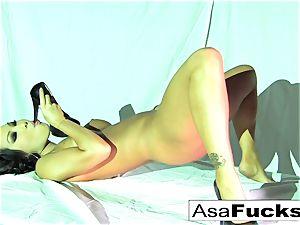 beautiful Asa Akira Plays With Her moist cooch