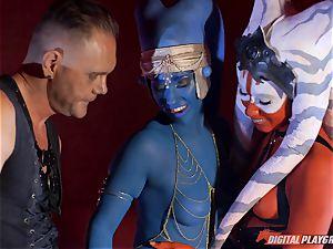 Aliens Eva Lovia and Aria Alexander take on rigid pipe