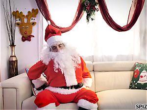 Spizoo - see Jessica Jaymes banging Santa Claus